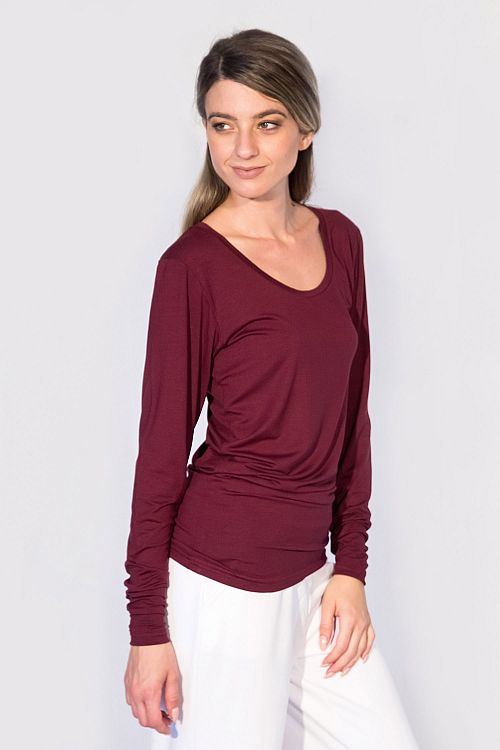 ROUNDNECK TOP WITH LONG SLEEVES